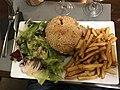 Hamburger dégusté par Otourly au restaurant Le Saladier à Villefranche-sur-Saône.JPG