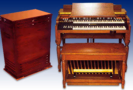 Hammond B3 organ, and Leslie speaker cabinet. Hammond b3 con leslie 122.jpg