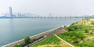 Jamsil Bridge - Image: Han River and Han River Park from Jamsil Bridge (14219133434)