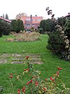 foto van Harmoniehof: plantsoenaanleg met vijvers en fontein
