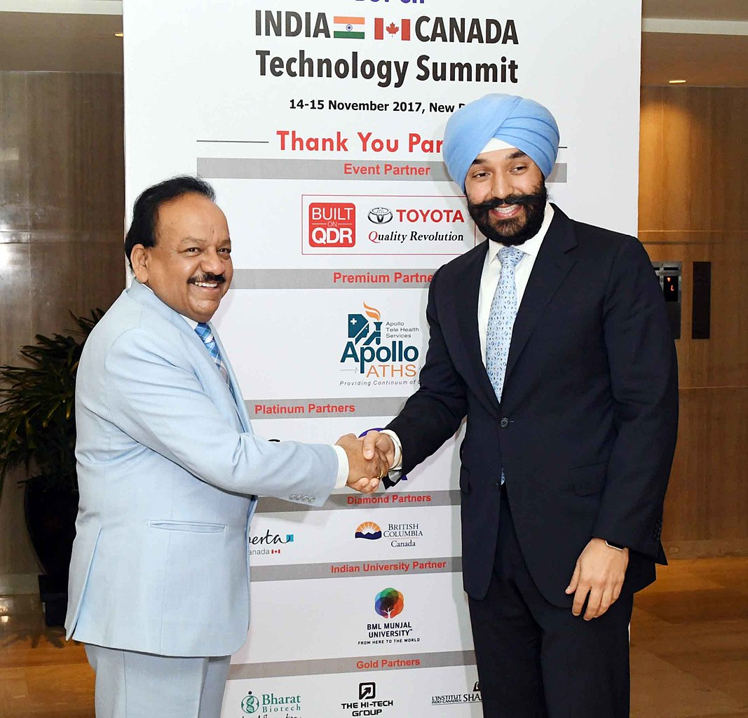 File:Harsh Vardhan and the Minister of Innovation, Science ...
