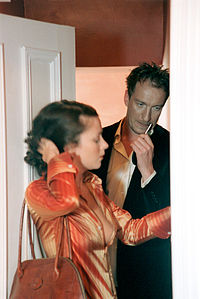 Mulberry A W 2001 Henry Bond S Photo Of Anna Friel With David Thewlis The Were Reported To Have Been Paid 50 000 Ear In Campaign