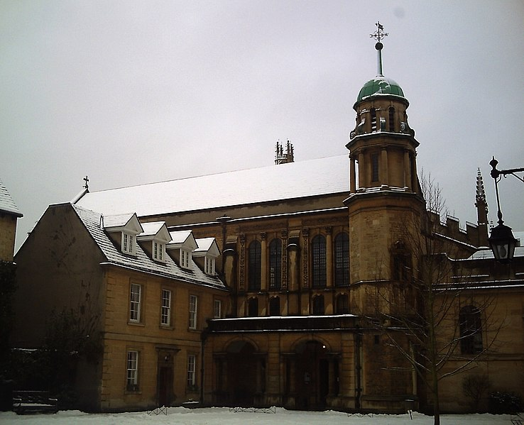 File:Hertford college chapel under the snow.jpg