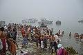 Hindu Devotees Taking Holy Dip In Ganga - Makar Sankranti Observance - Baje Kadamtala Ghat - Kolkata 2018-01-14 6582.JPG
