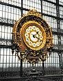 Horloge de gare restaurée dans le Musée d'Orsay, Paris, France.jpg