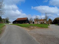 Houses and farm buildings at Ansells End (geograph 3428957).jpg