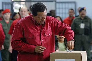 Venezuelan constitutional referendum, 2007 - President Chávez voting
