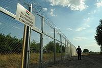 Hungarian-Serbian border barrier 1.jpg