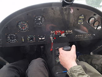 Ikarus C42 - C42 controls and instrument panel