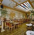 Interieur achterkamer, overzicht met muurschilderingen en daklicht - Gouda - 20359215 - RCE.jpg