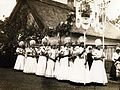 Jézus Szíve búcsú, Mária-lányok matyó népviseletben. Fortepan 100049.jpg
