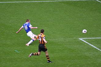 James McCarthy (footballer) - McCarthy scoring his first goal for Everton in 2014