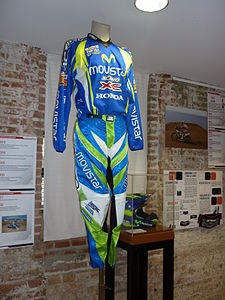 Javier Garcia Vico racing equipment 2007.JPG
