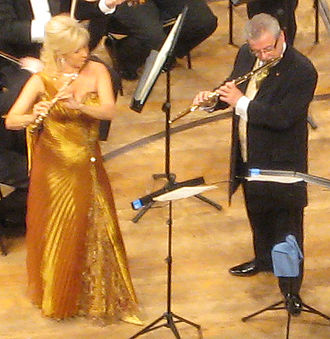 James Galway - James Galway and his wife, Jeanne Galway, performing in the 2007 New Year's Eve concert at the Culture and Convention Centre, Lucerne.