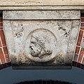 Johanneum (Hamburg-Winterhude).Bauschmuck.Weinberger.Arkaden.Werksteinrelief 3.Zeus.21907.ajb.jpg