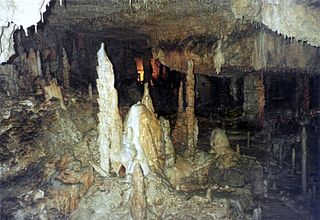 Stalagmiten in der Adventhalle
