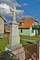 Kříž před domem čp. 106, Suchdol, okres Prostějov.jpg