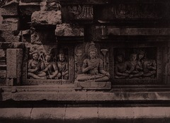 KITLV 155207 - Kassian Céphas - Reliefs on the terrace of the Shiva temple of Prambanan near Yogyakarta - 1889-1890.tif