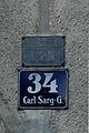 Karl Sarg Gasse Hausnummer und KG-Schild.jpg
