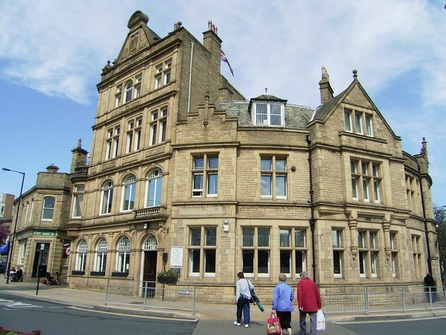 Keighley Town Hall - geograph.org.uk - 414714