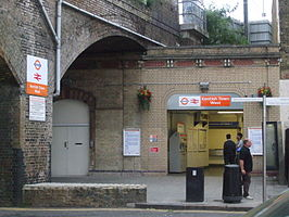 Kentish Town West stn entrance.JPG