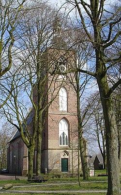 Kerk op brink van Ruinen.jpg