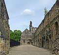 Kirkstall Abbey (27062696971).jpg