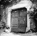 Kolona z vrati pri Škrlanovih, Podbreg 1958 (2).jpg