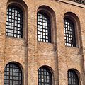 Konstantinbasilika Fenster.jpg