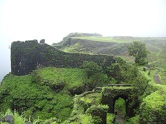 Korigad - Korigad entrance and fort walls