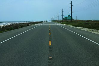 Louisiana Highway 82 - Image: LA82West Road Centerline Along Beaches