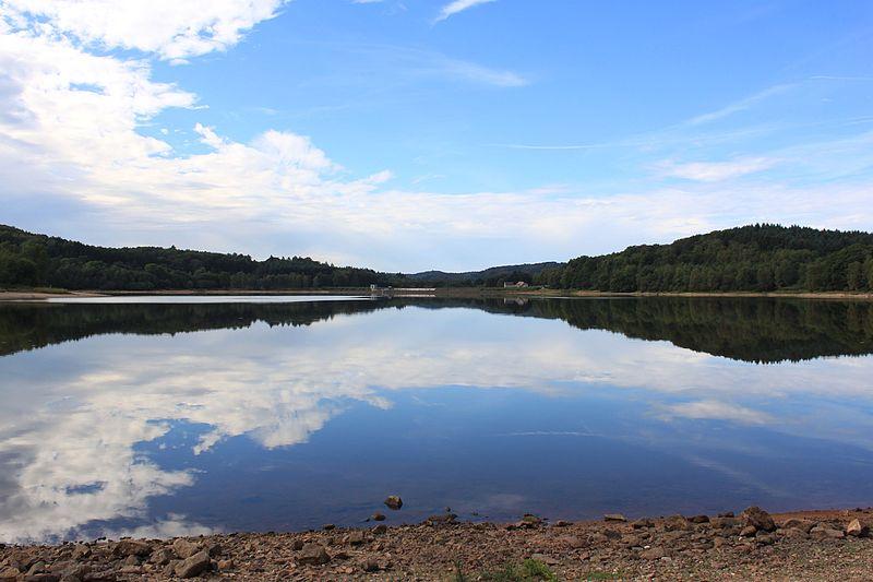 File:Lac de Chamboux 9.jpg