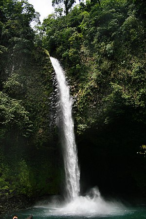 Lafortunawaterfall.jpg