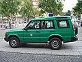 Land Rover Discovery SeriesII 1998-2004 Bundespolizei sideleft 2009-08-21 A.jpg