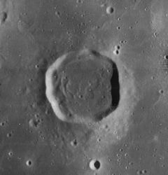 Lassell crater 4113 h2.jpg