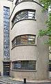 Le vitrail de façade de Louis Barillet, musée Mendjisky, Paris 01.jpg