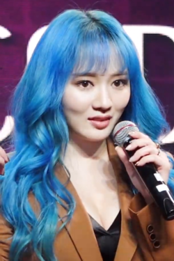 Lee So-jung at a showcase on October 22, 2019 (2).png