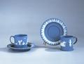 Ler- och stengods. Blå servis med vit dekor. Sent 1700-tal - Hallwylska museet - 89270.tif