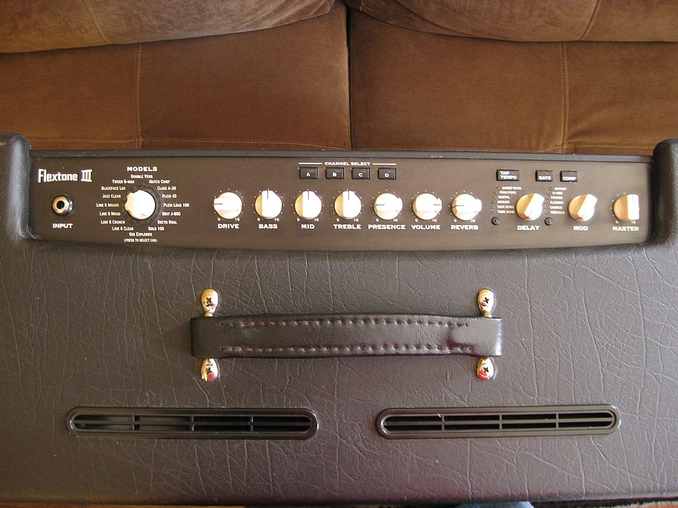 Line 6 Flextone III Plus control panel