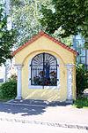 Linz-Kleinmünchen - Kapellenbildstock 01.jpg