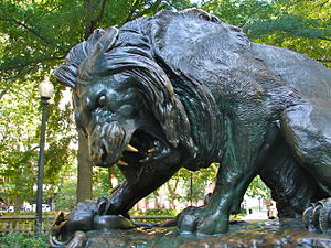 Association for Public Art - Lion Crushing a Serpent (1832) by Antoine Louis Barye