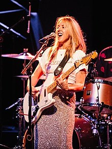 Liz Phair performing live.