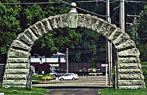 Lucasville, Ohio - Image: Lucasville, Ohio Cemetery Arch