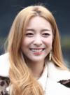 Luna going to a Music Bank recording on January 10, 2019 (4).png