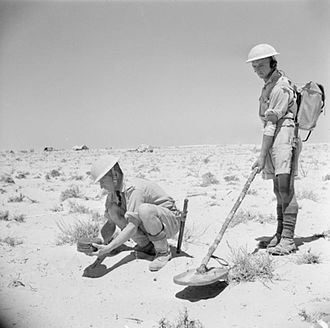 1st Devonshire Engineers - Sappers demonstrating the new Mark I mine detector in North Africa, August 1942.