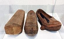 fecha de lanzamiento b0434 59c88 Zueco - Wikipedia, la enciclopedia libre