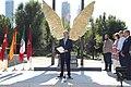 Madrid y México reafirman sus lazos de unión con la escultura Alas de México 04.jpg