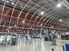 Main Concourse, Paddington Station.jpg