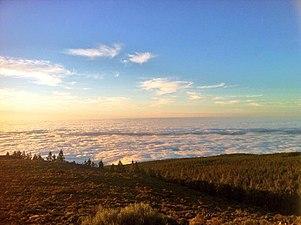 Mar de nubes en el Teide.jpg
