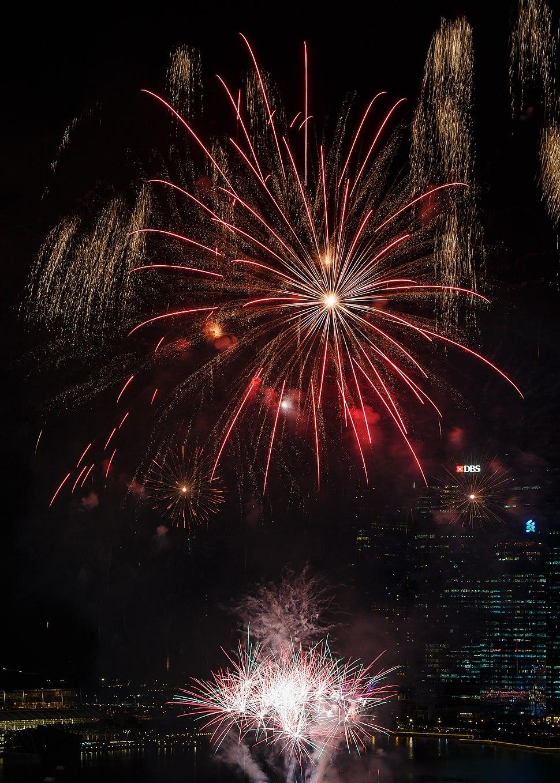 Marina-Bay Singapore Firework-launching-CNY-2015-07